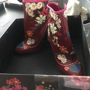 Dolce and GABBANA BOOTIES